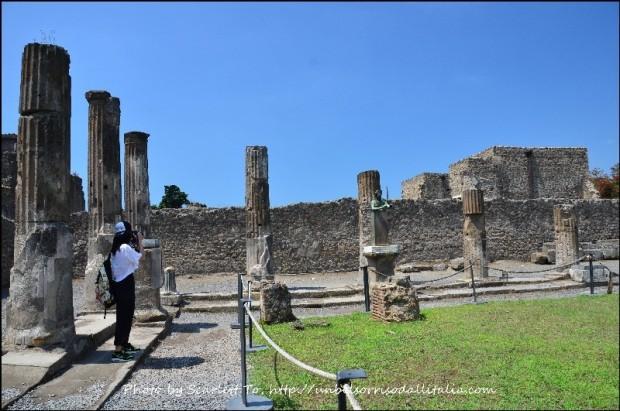 Pompeii24